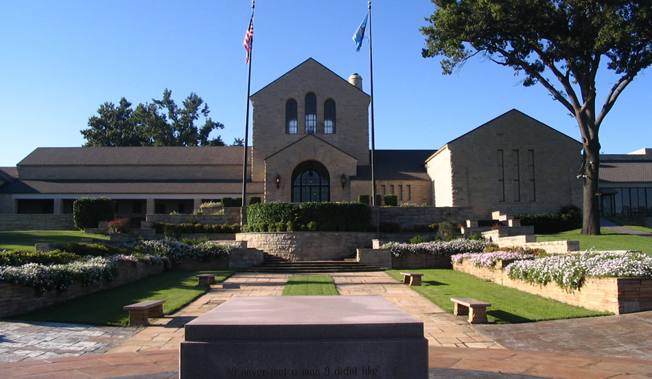 Hotels mear WIll Rogers Museum
